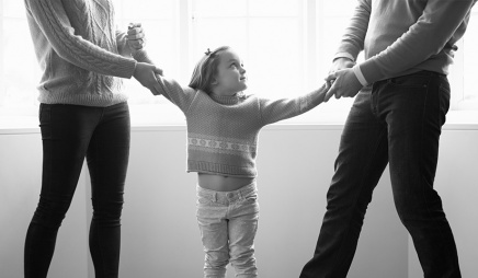 pic_giant_051815_sm_divorced-parents-child-dt